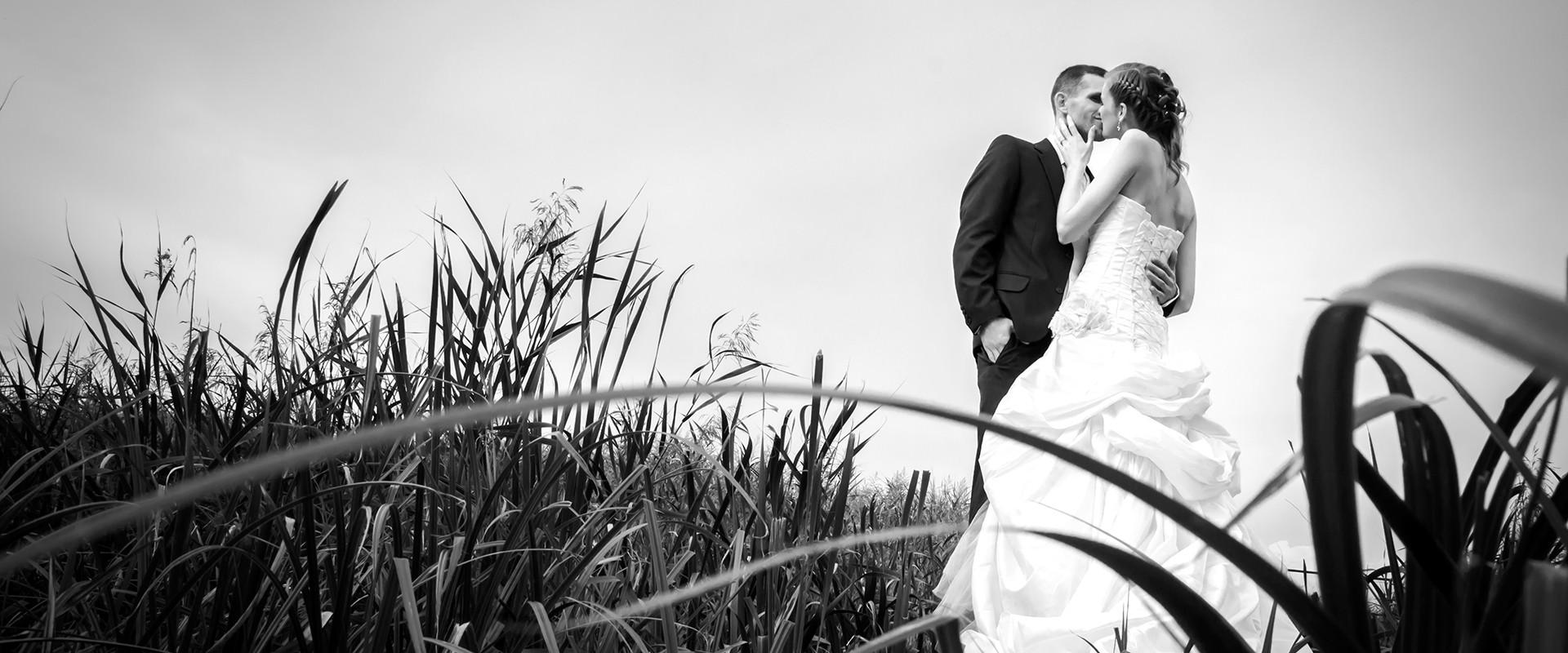 Eszti és Szabi esküvői fotózása. Balatonlelle, Momento Fotó.